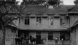 Valenciennes- Les Ecuries Du Manoir Des Glacis - Valenciennes