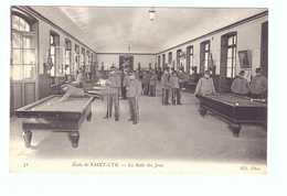 78 Ecole De Saint Cyr Cpa Carte Animée Soldat Militaire Edit ND N°31 La Salle De Jeux Billard Table - St. Cyr L'Ecole