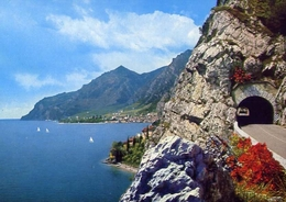 Limone - E La Gardesana Occidentale - Lago Di Garda - 10133 - Formato Grande Non Viaggiata – E 10 - Brescia