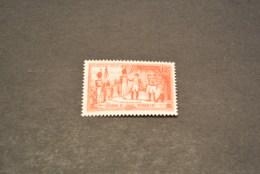 K19104 -stamp  MNH France 1954 -SC.730 - Napoleon Awarding  Legion Of Honor - Napoléon