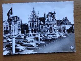 Mechelen - Malines / Grote Markt, Stadhuis En Standbeeld Van Margeretha Van Oostenrijk -> Onbeschreven - Mechelen