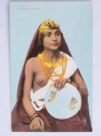 C.P.A. Couleur : EGYPTE : Chanteuse Arabe, Seins Nus, Topless, Superbe - Personen