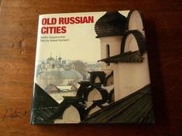 "OLD RUSSIAN CITIES "" VIEILLES VILLES RUSSES"" / VADIM GIPPENREITER & ALEXEI KOMECH - Esplorazioni/Viaggi"