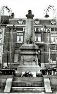 FALISOLLE   La Place Monument Aux Morts. - Fosses-la-Ville
