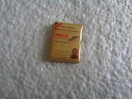 PIN'S 31818 - Badges