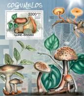 GUINEA BISSAU 2012 - Mushrooms, Spider Web - Mi B1066, YT BF778 - Spinnen