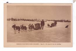 Missions Esquimaude Nord Canadien Traineaux A Chiens Bois Chauffage Dog Sleds Missionnaires Oblats Canada - Nunavut