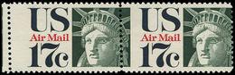 ** ETATS UNIS - Poste Aérienne - 76, Paire, Piquage à Cheval: 17c. Liberté - United States