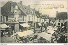 51. FISMES .  Place De L'Hotel De Ville . Le Marché . - Fismes