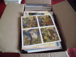Lot De + 500 CARTES CPM ...FANTAISIES..ILLUSTRATIONS...FETES..PUBLICITE...CELEBRITES...ETC....( 2.970 Grammes) - Cartes Postales