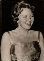 CPM HKH Prinses Beatrix DUTCH ROYALTY (820026) - Familles Royales