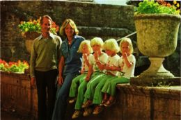 CPM Prinses Irene En Prins Karel Hugo DUTCH ROYALTY (820845) - Familles Royales