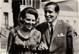 CPM HKH Prinses Beatrix En Prins Claus DUTCH ROYALTY (820934) - Familles Royales
