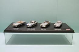 Schuco - Coffret 4 Voitures MERCEDES BENZ 280SL + 300SL Carrera + 560SL + 300SL Gullwing 1/72 - Voitures, Camions, Bus