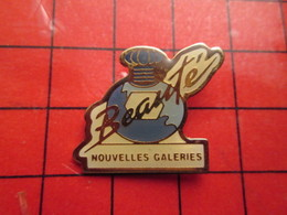 1617 Pins Pin's / Rare & De Belle Qualité  THEME : MARQUES / PARFUM FLACON NOUVELLES GALERIES BEAUTE - Trademarks