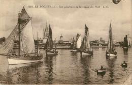 Dép 17 - Bateaux De Pêche - La Rochelle - Groix - Grésillons - Grésillon N° 993 à La Sortie Du Port De La Rochelle - La Rochelle