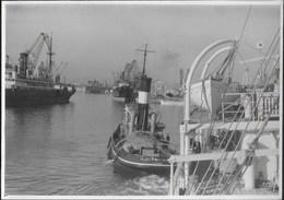 PICCOLO RIMORCHIATORE AL PORTO (LIVORNO) - FORMATO 14,50X10 - ORIGINALE D'EPOCA FINE ANNI '40 - Barche