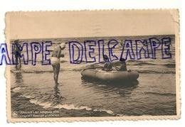 """Côte Belge. Canot Pneumatique. """"Attention Ne Bougeons Plus"""". Photo NELS 1948 - Vieux Papiers"""