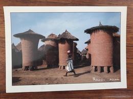 Cote D'Ivoire - Greniers à Mil, Village De SENOUFO De NIOFOIN - Photo Maurice ASCANI - Côte-d'Ivoire