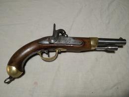 Pistolet De Cavalerie Ou D'arçon à Percussion 1822 T Bis Maubeuge An 1824 Mono Matricule - Army & War