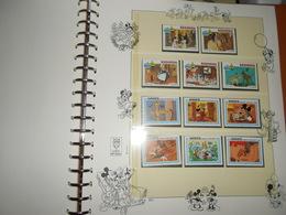 Collection , Disney 200 Timbres Neuf Vendu Avec Pages Et Reliure Lindner  Voir Tout Les Scans ( Poids Environ 2 Kg ) - Timbres