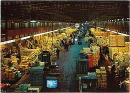 CPM - Editions YVON - 10/2192 - RUNGIS - M.I.N. - Vue Générale D'un Intérieur De Pavillon Des Fruits Et Légumes La Nuit - Halles