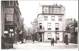 Dordrecht - Voorstraat, Hoek Visstraat,  Omstreeks -  1900 (AK3271) - Dordrecht