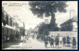 Cpa Du 22 La Motte Route De La Gare    ....  Près De Loudéac   ACH7 - Loudéac
