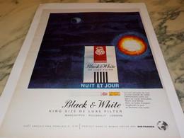 ANCIENNE PUBLICITE CIGARETTE  BLACK  WHITE 1965 - Tabac (objets Liés)