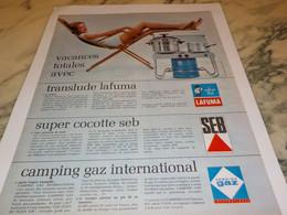 ANCIENNE AFFICHE  PUBLICITE VACANCE TOTAL AVEC CAMPING GAZ ET SEB LAFUMA 1965 - Advertising