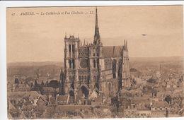 CP , 80 , AMIENS , La Cathédrale Et Vue Générale - Amiens