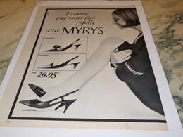 ANCIENNE PUBLICITE FEMME QUE VOUS ETES JOLIE CHAUSSURE MYRYS  1965 - Habits & Linge D'époque