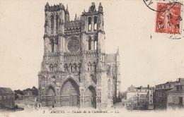 CP , 80 , AMIENS , Façade De La Cathédrale - Amiens