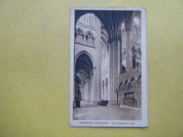 AMIENS. La Cathédrale. Le Collatéral Sud. - Amiens