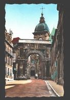Besançon - La Porte Noire Et La Cathédrale Saint-Jean - Besancon
