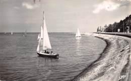 HOULGATE La Sortie Des Yachts 8(scan Recto-verso) MA1063 - Houlgate
