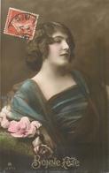 CP BONNE FETE PORTRAIT FEMME ROUGE-A-LEVRE ROSE AUX JOUES - RPH - Femmes
