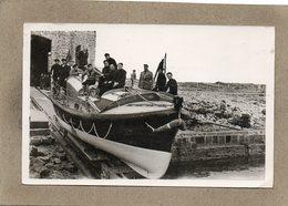 CPA- La HAGUE (50)- GOURY - Le Canot De Sauvetage(Rescue Boat) Pour Le Secours En Mer Avec Son Glorieux équipage En 1952 - France