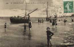BERCK PLAGE  Barques De Peche Au Mouillage RV - Berck