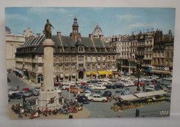 Lille Ancienne Bourse Façade Sur La Grand Place Auto Cars Scooter Francia Cartolina 1970 - Lille