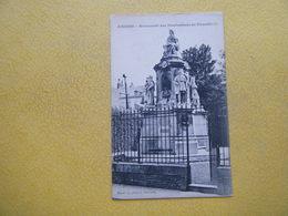 AMIENS. Le Monument Des Illustrations De Picardie. - Amiens