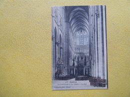 AMIENS. La Cathédrale. La Chaire Et La Nef. - Amiens