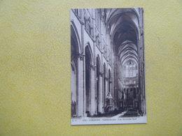 AMIENS. La Cathédrale. La Grande Nef. - Amiens