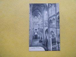 AMIENS. La Cathédrale. Le Transept. - Amiens