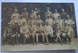 Carte Photo Groupe De Soldats Dont 2 Morts Pour La France 28e BCP - 1914-18