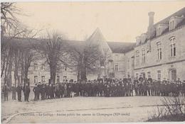 PROVINS  Le Collège - Provins