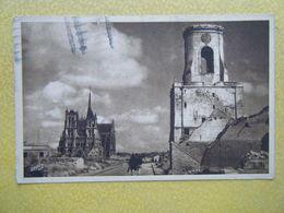AMIENS. Le Beffroi Et La Cathédrale. - Amiens