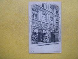 AMIENS. La Rue Des Vergeaux. La Maison Du Sagittaire. - Amiens