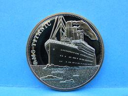 Belle Piéce Dorée Neuve ( Théme Titanic ) Diamétre 4cms - Chine