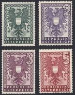 Timbres Neufs* D'autriche, N°596-599 Yt, Traces De Charnières,  Armoiries - 1945-60 Neufs